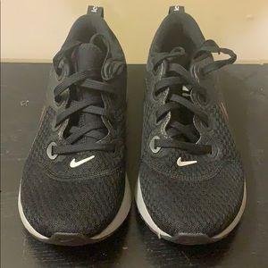 Women's Nike Legend React size 7.5